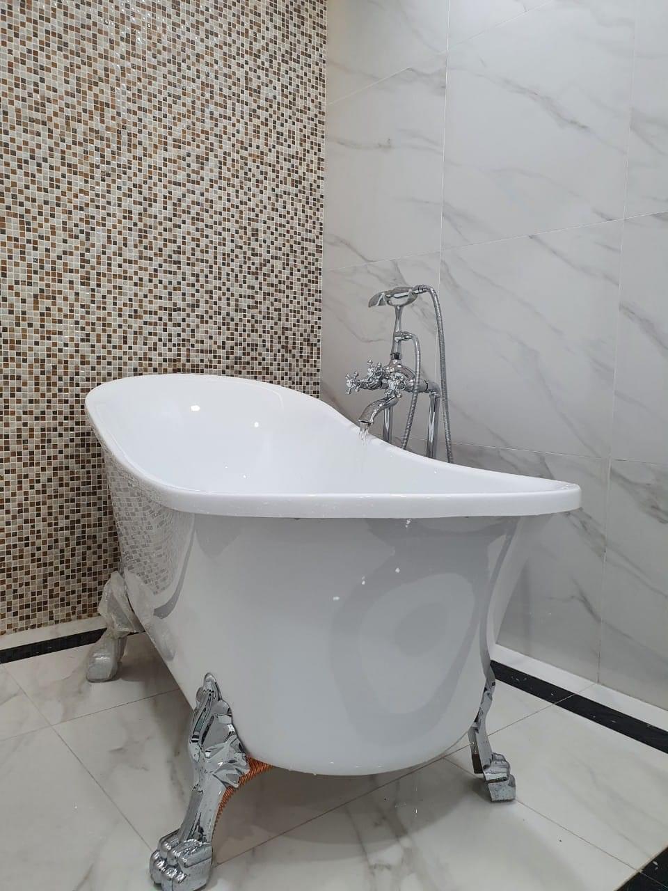 Bồn tắm còn được xem như món đồ nội thất sang trọng, đẹp mắt